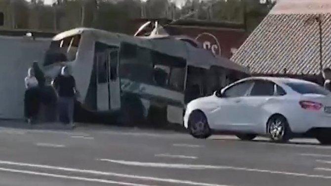 ВНовосибирской области смертельное ДТП— фура протаранила автобус