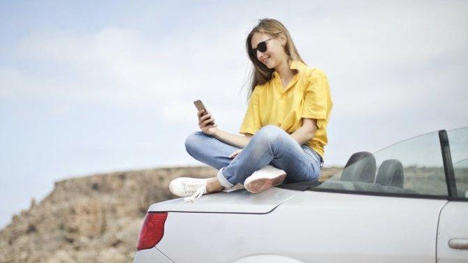 Мужчины начинают это делать раньше иделают чаще, чем женщины— речь опокупке авто