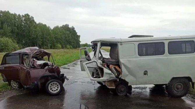 Четыре человека погибли в ДТП в Омской области