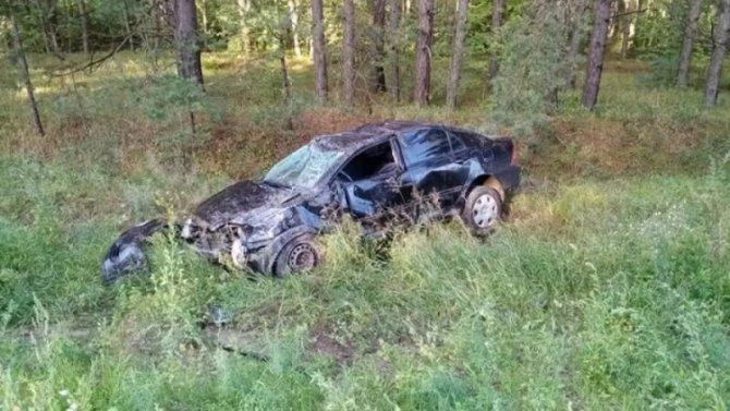 В Чувашии водитель вылетел через окно и был задавлен собственной машиной