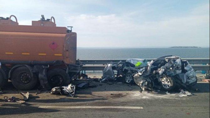 Отец с двухлетним ребенком погибли в результате ДТП на Президентском мосту в Ульяновске