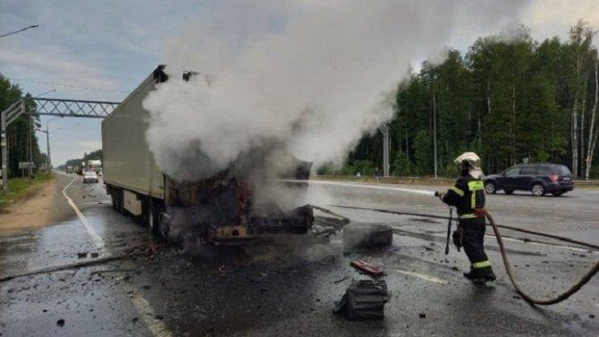 Водитель фуры погиб в ДТП в Вязниковском районе Владимирской области