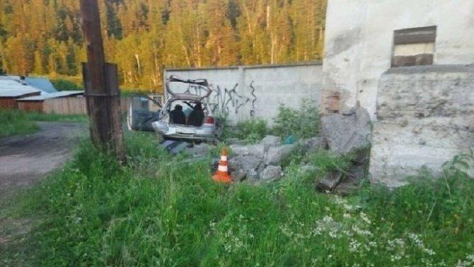 В ДТП в Шелеховском районе погибли водитель и его 11-летний пассажир