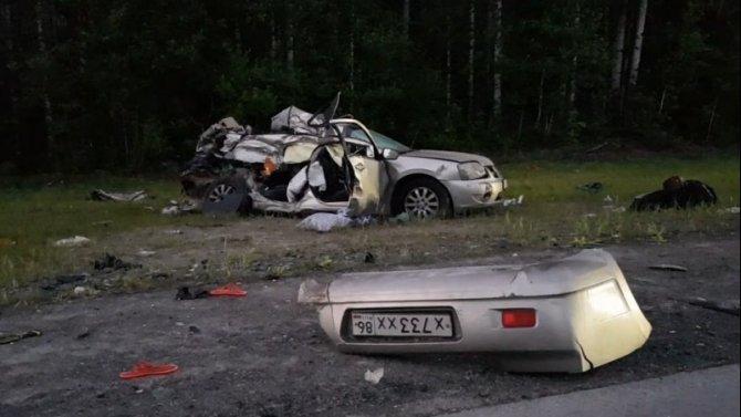 Двое взрослых и ребенок погибли в ДТП в Тюменской области