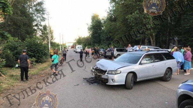 Мотоциклист с пассажиркой пострадали в ДТП в Тульской области