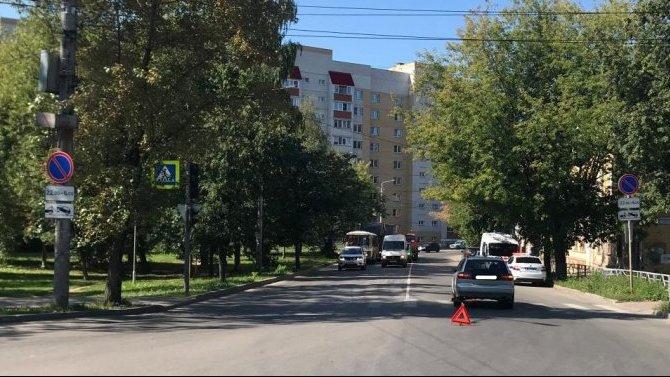 В Кирове автомобиль сбил 10-летнего велосипедиста