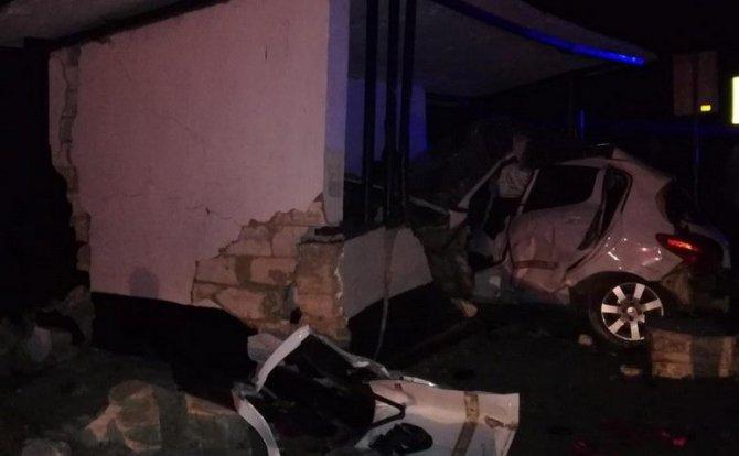 В Ленинском районе Крыма в ДТП погиб водитель легковушки (1)