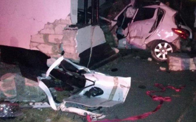 В Ленинском районе Крыма в ДТП погиб водитель легковушки (4)