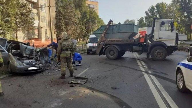 Водитель «Лады» погиб в ДТП с мусоровозом в Самаре