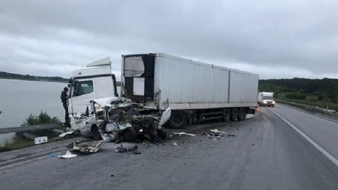 В ДТП с грузовиком в Искитимском районе Новосибирской области погиб человек