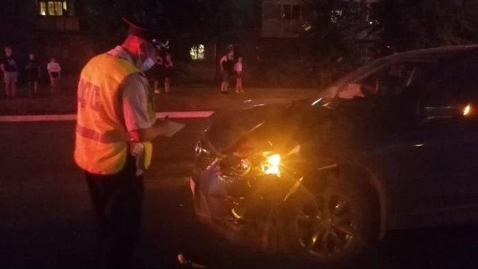 В Каменске-Уральском автомобиль насмерть сбил бабушку с внучкой