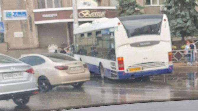 Два человека пострадали в ДТП с автобусом в Липецке