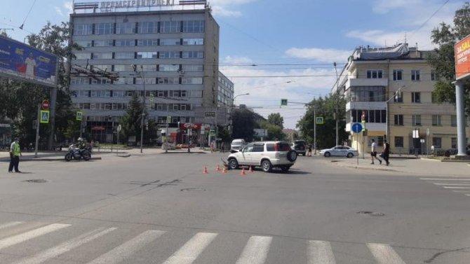 Пять человек пострадали в ДТП в Новосибирске