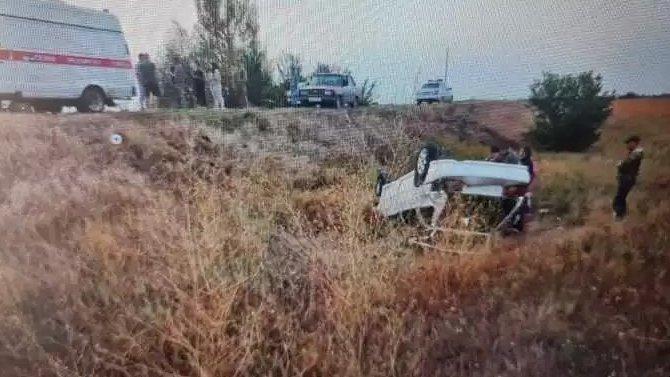 ВБалаковском районе при опрокидывании автомобиля погиб человек