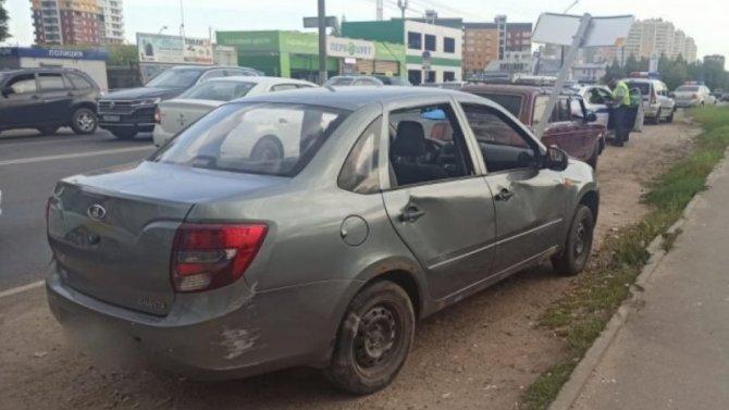 В Кирове «Лада» после ДТП сбила трех пешеходов