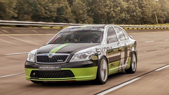 ŠKODA восстановила быстрейший автомобиль в своей истории