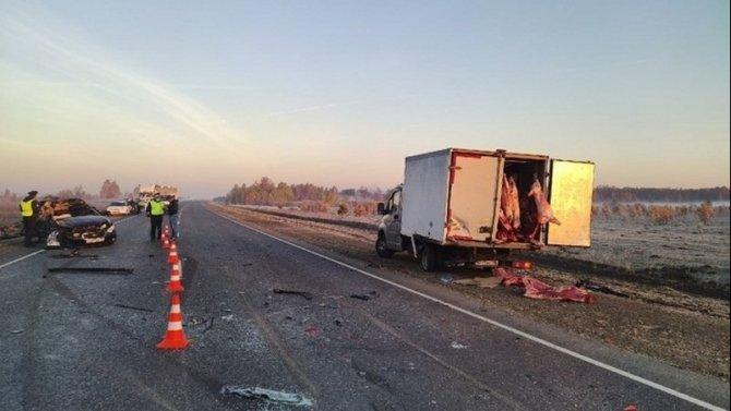 Два пассажира иномарки погибли в ДТП в Свердловской области