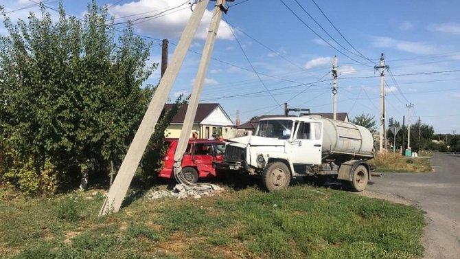 В ДТП в Семикаракорске пострадала 11-летняя девочка