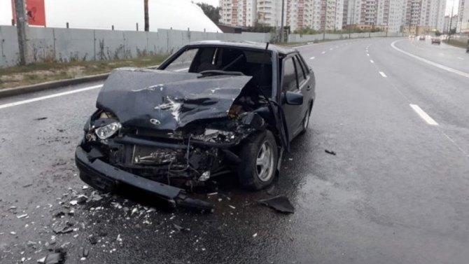Четыре человека пострадали в ДТП на мокрой дороге в Воронеже