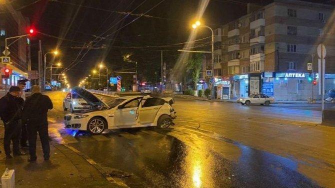 В ночном ДТП в Ростове пострадал человек