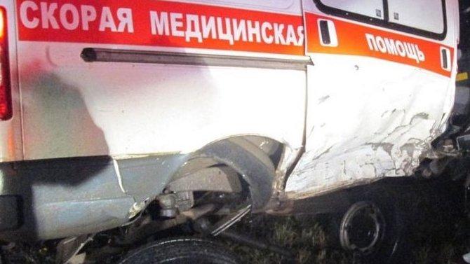 ВКировской области пьяный водитель Audi врезался в«Скорую помощь»