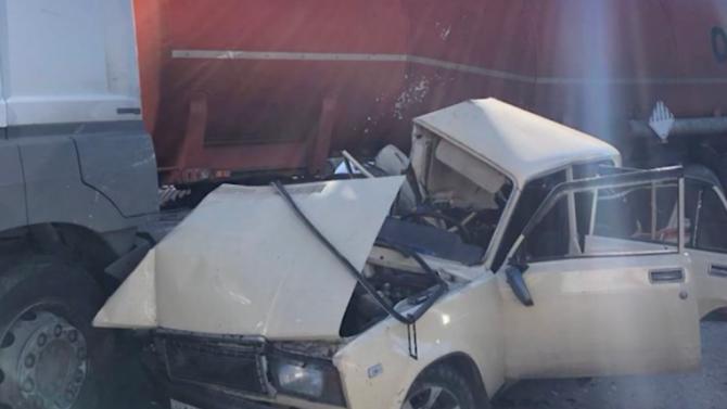 ВНовошахтинске грузовик сбил «Жигули» наперекрёстке— двое погибших