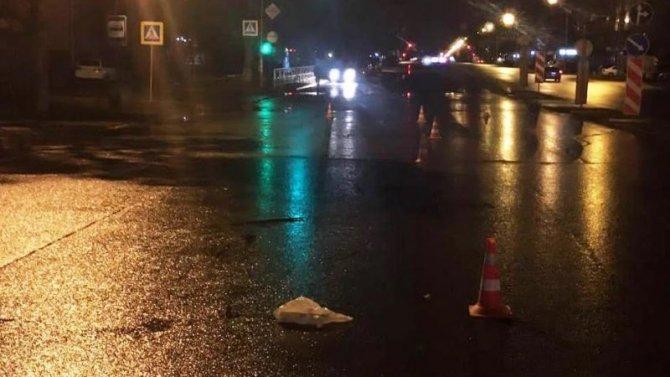 В Новосибирске водитель автомобиля сбил пешехода и скрылся