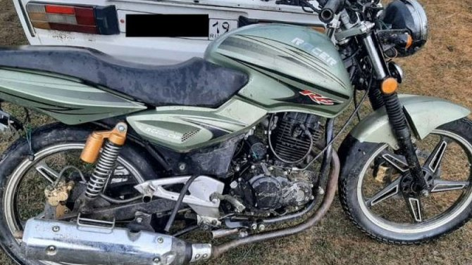 В Хакасии в ДТП пострадали мотоциклист с пассажиром