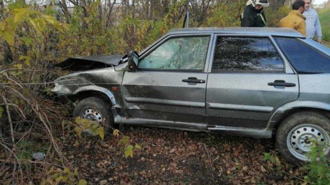 В Калужской области при опрокидывании автомобиля пострадал водитель