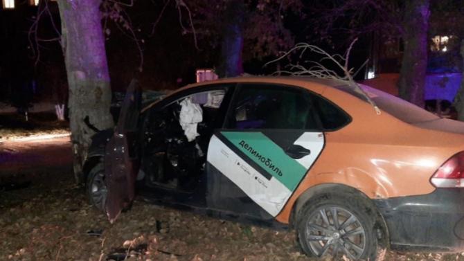 Девушка погибла в ДТП с каршеринговым автомобилем в Новосибирске