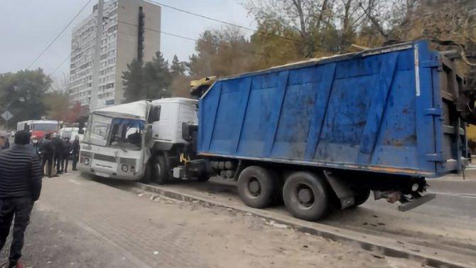 Три человека пострадали в ДТП с маршруткой в Воронеже