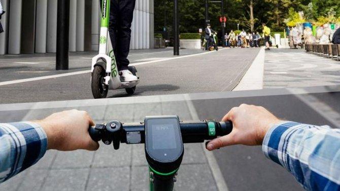 Электросамокатам ограничат вес иразрешат ездить попроезжей части