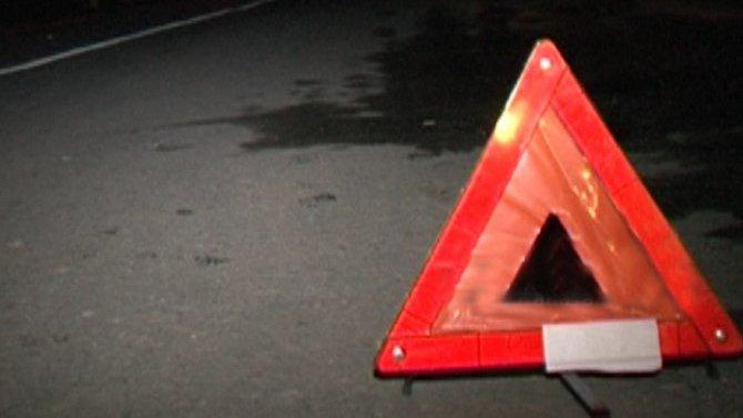 В Брянской области ВАЗ врезался в дерево – пострадал водитель